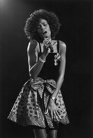 Whitney Houston obit: 1988:  Whitney Houston performing