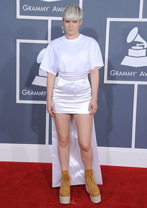 stacked short haircuts the wildest at the grammys in pictures fashion 1828 | Robyn at the Grammys 002