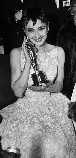 Oscars Do: Audrey Hepburn in 1954