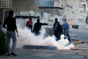 Bahrain: Anti-government protesters