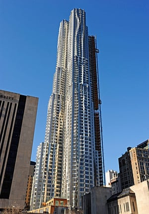 Frank Gehry: Gehry's  Tower Ripples High Above Brooklyn Bridge