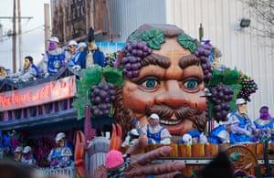 Mardi Gras: Floats line up for the Bacchus Mardi Gras Parade