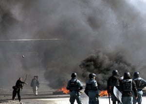 'Qur'an burning' Bagram: Afghans clash with riot police