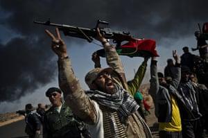 Remi Ochlik: The rebel forces fight Gaddafi's troops, Libya