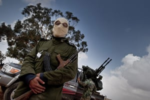 Remi Ochlik: Benghazi rebels train civilians to use military weapons, 2 April 2011
