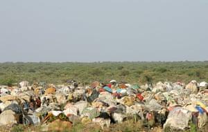 Somalia timeline: Somali refugees