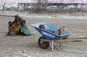 Somalia timeline: a mother mourns the death of her son