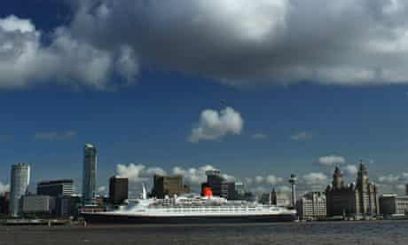 Liverpool Docks, Queen Elizabeth II liner