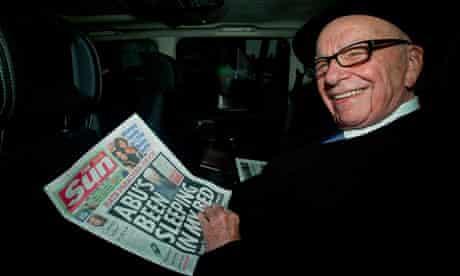 Rupert Murdoch with copy of Sun
