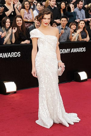 Oscars red carpet: Milla Jovovich
