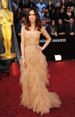 Oscars red carpet: Kristen Wiig