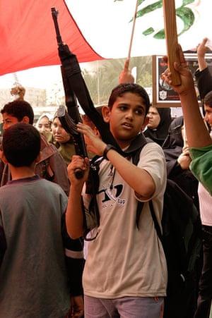 Tom Hurndall : Boy at an anti-war protest, Rafah