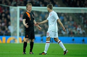 England v Holland: Steven Gerrard goes off injured