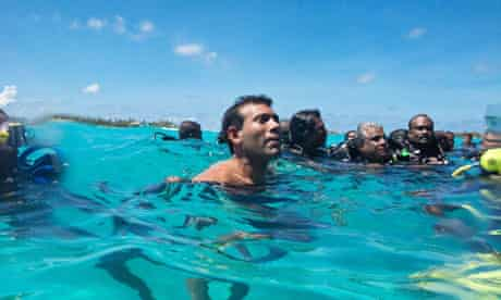 Maldives cabinet meeting Mohamed Nasheed