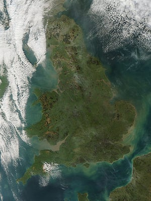 Satellite eye on earth: very strong winds across UK