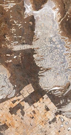 Satellite eye on earth: Salt Lake Dundas in Australia