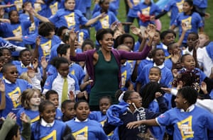 Michelle Obama fitness: First lady Michelle Obama jumps with four hundred children