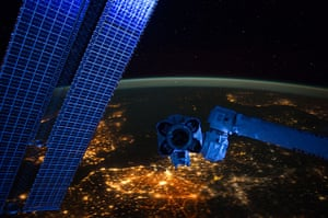 Month in space: Earth-orbiting International Space Station
