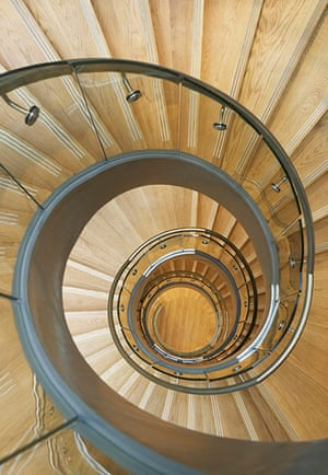 Broadcasting House: Hulton & Crow Helical stairway in Broadcasting House