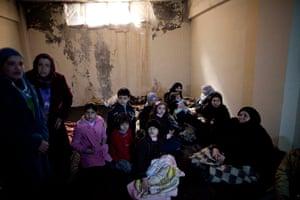 Syria Annan: Syrian women and children take shelter in Idlib, North Syria