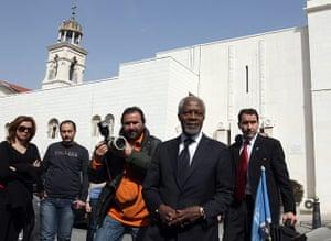 Syria Annan: Kofi Annan arrives for a lunch meeting with officials in Damascus