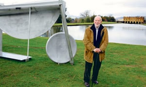 Anthony Caro in the grounds of Chatsworth House next to his sculpture Double Tent