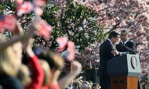 Barack Obama welcomes David Cameron