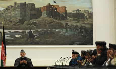 Karzai meets masacre relatives in Kandahar