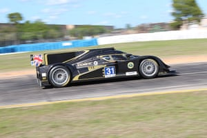 12 hours of Sebring : Lotus Lola puts the power down