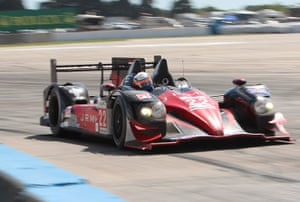 12 hours of Sebring : Turn 17 tests the neck muscles and the grip for JRM's prototpe.