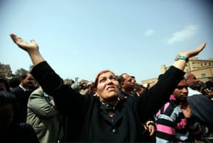 Pope Shenouda Funeral: A woman mourns for Coptic Pope Shenouda In Cairo