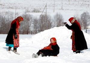 Russia's Eurovision: Members of the singing group Buranovskiye Babushki play in the snow