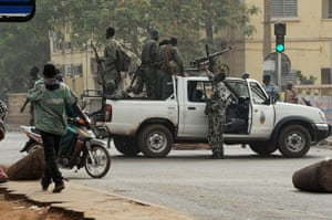 Mali: People gather on a street