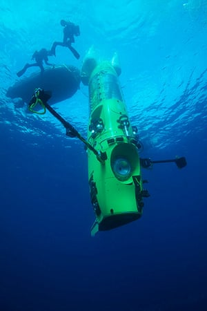 James Cameron: Deepsea Challenger submersible on its first test dive