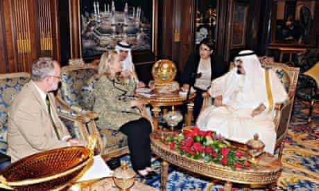 Hillary Clinton meets King Abdullah of Saudi Arabia in Riyadh