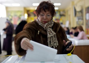 Russian election: Moscow: Svetlana Pavlova votes at a polling station in the capital