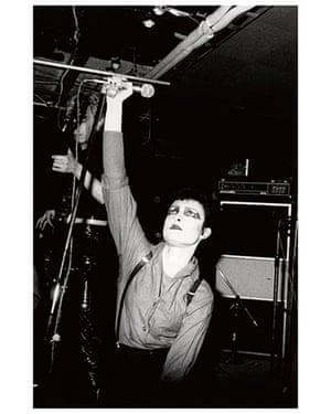 Women in Pop exhibition: She-Bop-A-Lula - Women in Pop photo exhibition - Siouxsie Sioux
