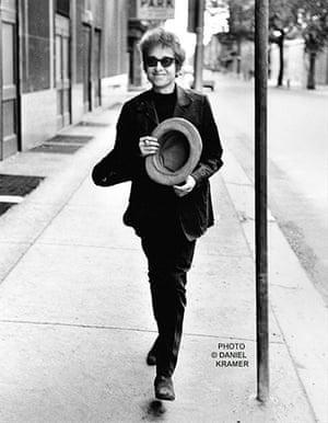 Bob Dylan multimedia show: Bob Dylan Walking