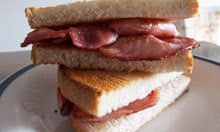 Bacon sandwiches with toasted bread