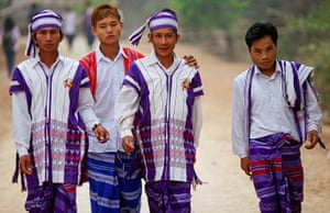 Burma elections: People arrive at a polling station in Kawhmu township