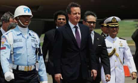Davidf Cameron arriving in Indonesia