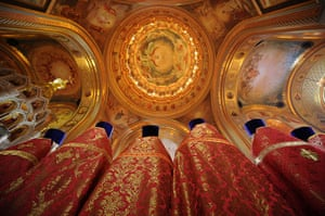 Orthodox Easter: Russian Orthodox believers celebrate Easter at the cathedral in Moscow
