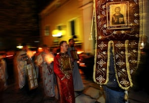 Orthodox Easter: Macedonian Orthodox priests attend a midnight Easter service in Skopje