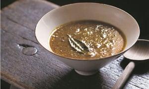 Venison mulligatawny soup