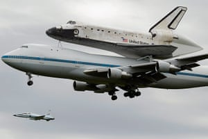 Space Shuttle: Space Shuttle Discovery Arrives In DC Area