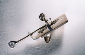 The Royal Society: Single lens microscope, replica of an instrument by Antoni van Leeuwenhoek