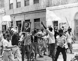 Colonial papers: British troops in Aden Docks
