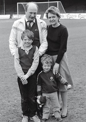 Alan Carr with family in 1985
