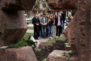 Holocaust memorial: Moldovans place flowers at the Holocaust remembrance memorial in Chisinau