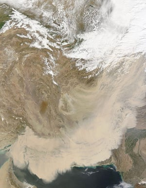 Satellite Eye on Earth: Dust storm